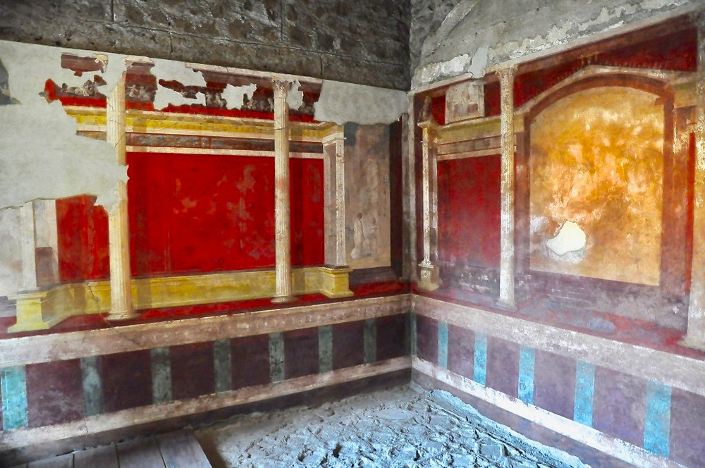 wall frescos in the lower cubiculum of Domus Augustana, with a theatrical inspiration