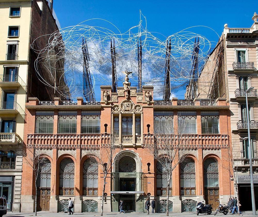 Antoni Tapies Foundation, topped with an iron wire sculpture