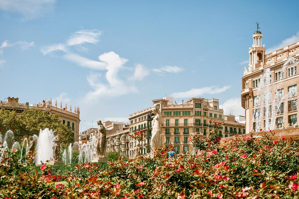 Placa Catalunya, Barcelona's iconic main square