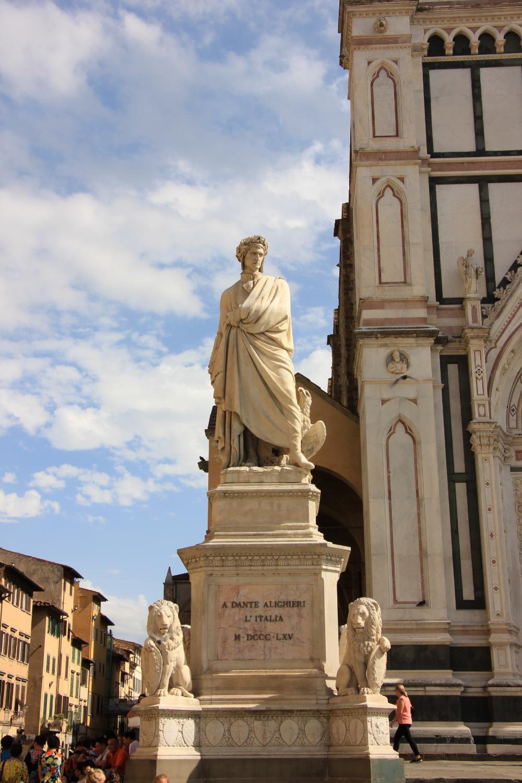 statue of the poet Dante outside Santa Croce