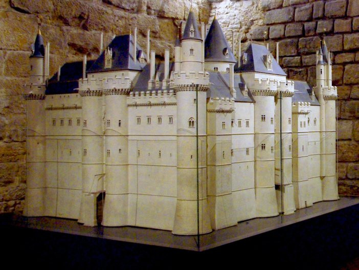 model of 12th century medieval Louvre -- it's so different looking now that the model looks more like the Congiergerie