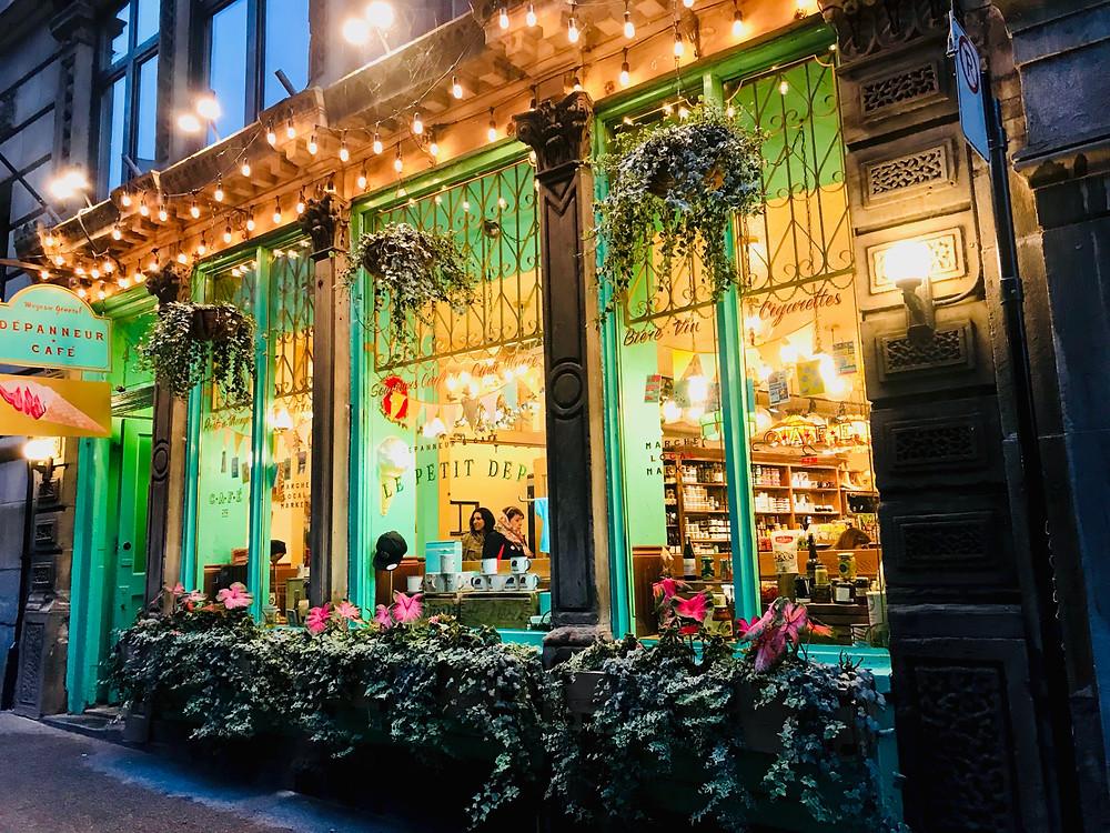 cute cafe on St-Paul Street