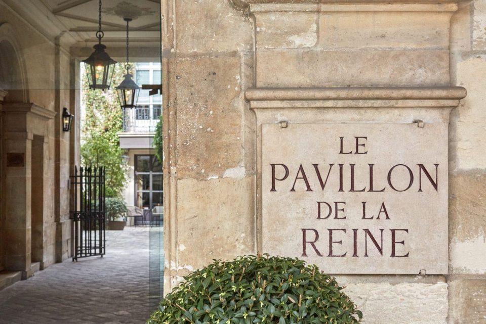 Entrance of Hôtel Pavillon de la Reine & Spa off Place des Vosges CREDIT: HÔTEL PAVILLON DE LA REINE & SPA