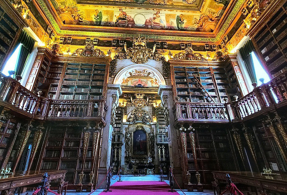 the Noble Floor of the magnificent Joanina Library