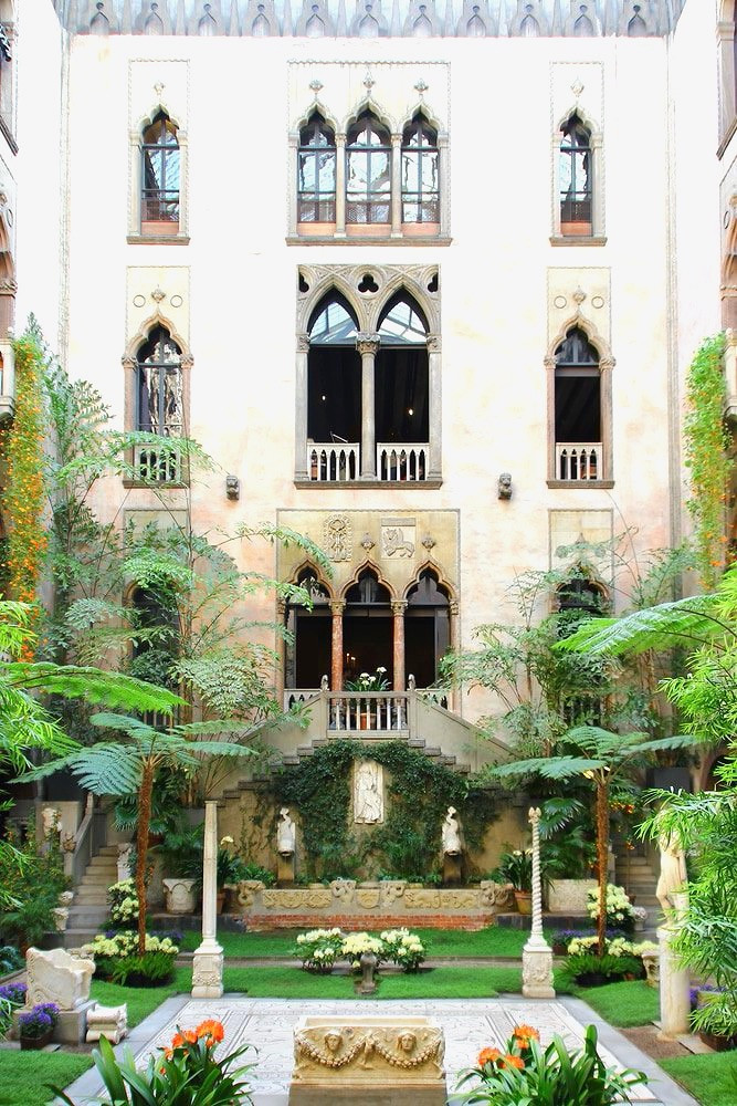 the Isabella Stewart Gardner Museum, housed in a Venetian style palace