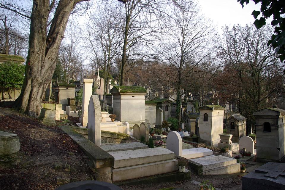 gravestones at Pere LaChaise Cemetery