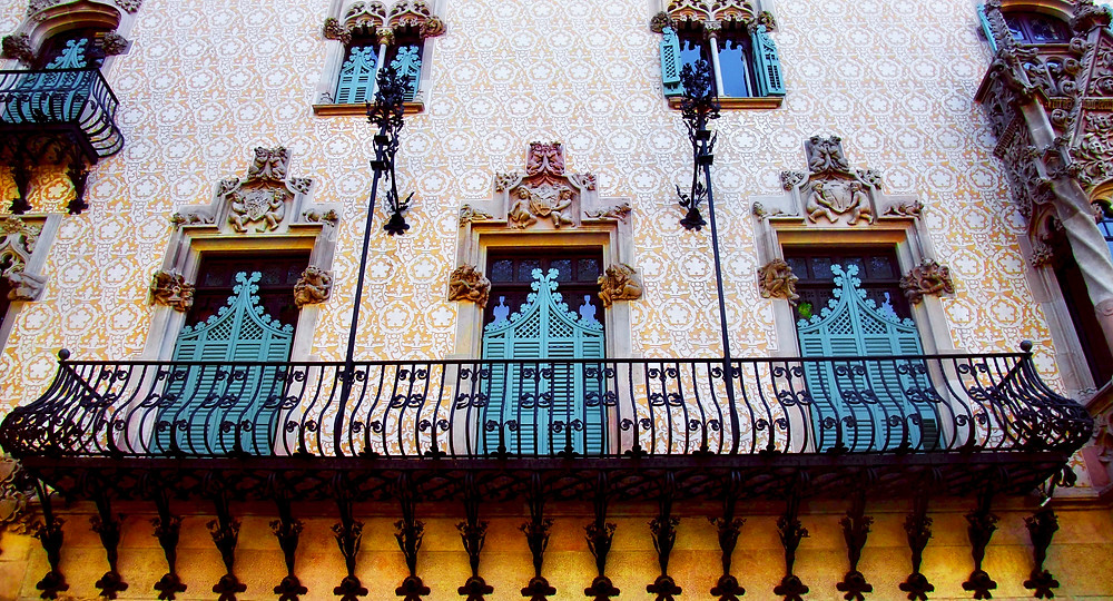 the gorgeous facade of Casa Amattler
