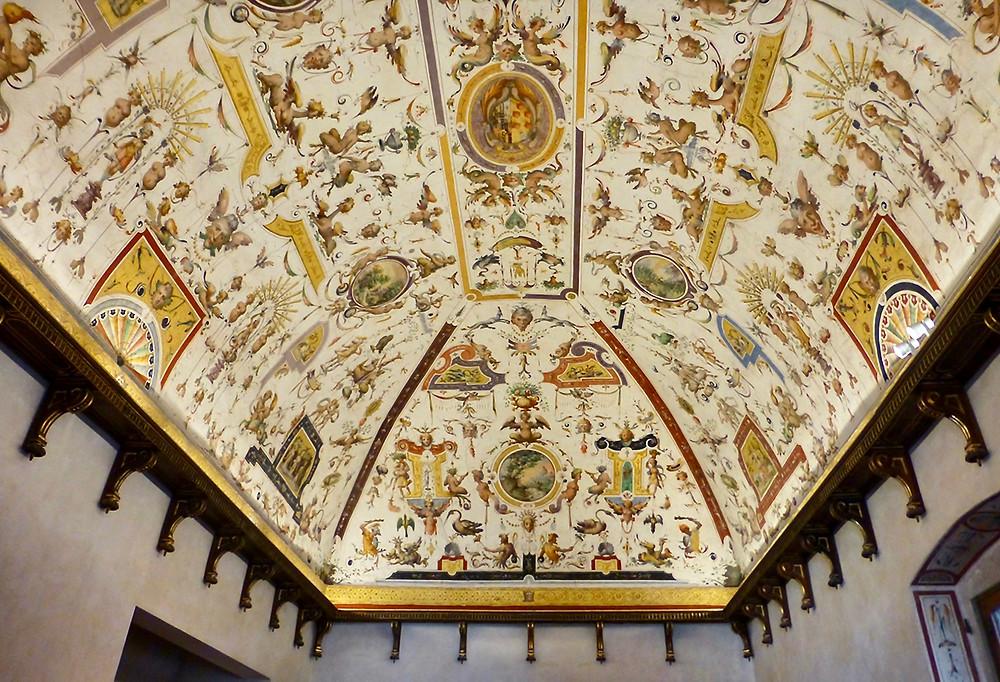 grotesque frescos in the apartment of Eleanora di Toledo