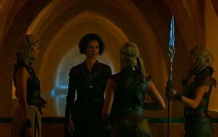 Ellaria Sand plots with the Sand Snakes in the Maria Padilla Baths