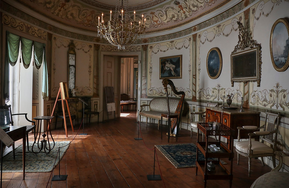 a beautiful room, complete with harp, in the Lisbon Museum of decorative Arts