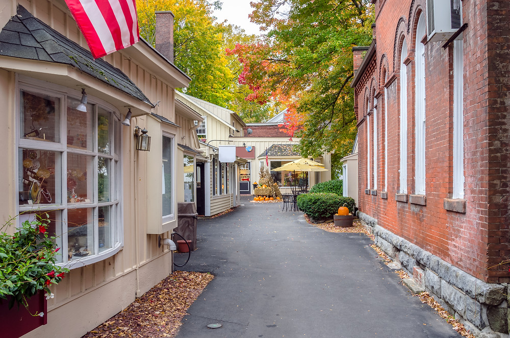 quaint lane in Stockbridge Massachusetts