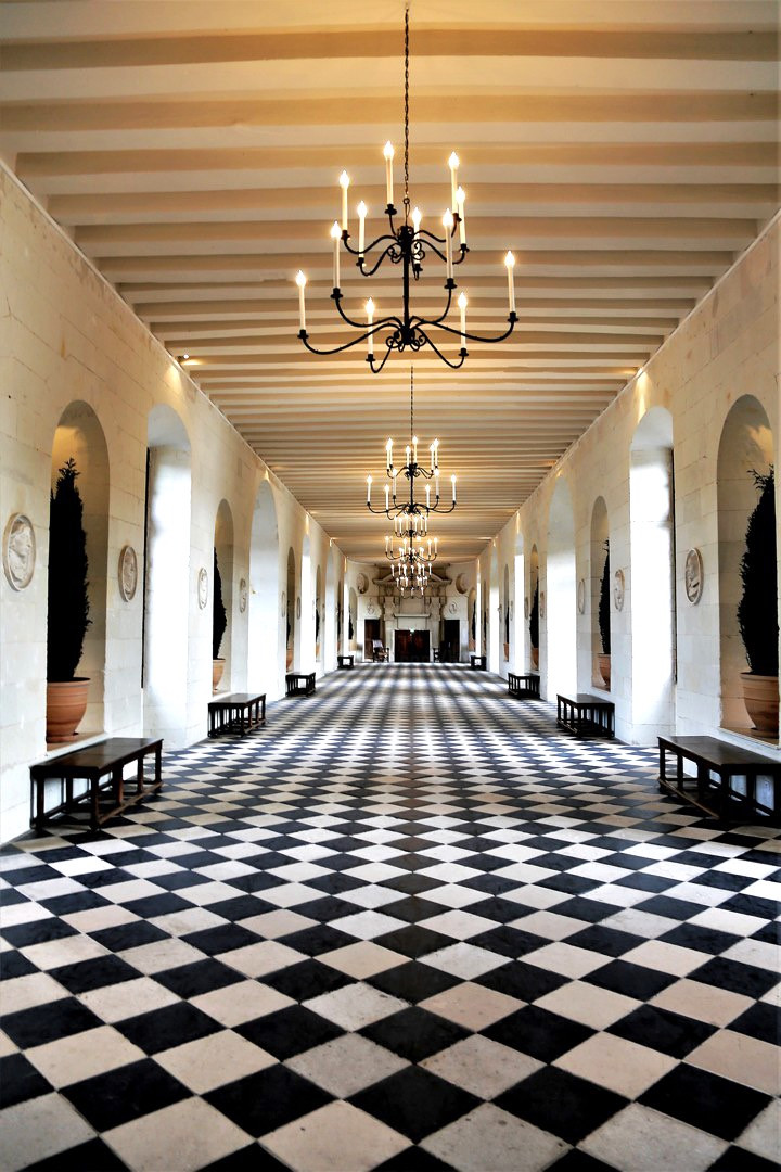 ground floor of the Medici Gallery