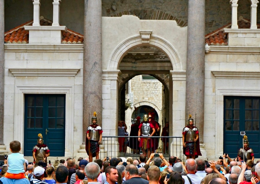 the reenactment of the Changing of the Guard in the Peristyle of Diocletian's Palace