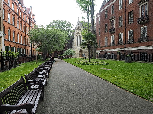 the Mount Street Gardens with a long bench to plop down on