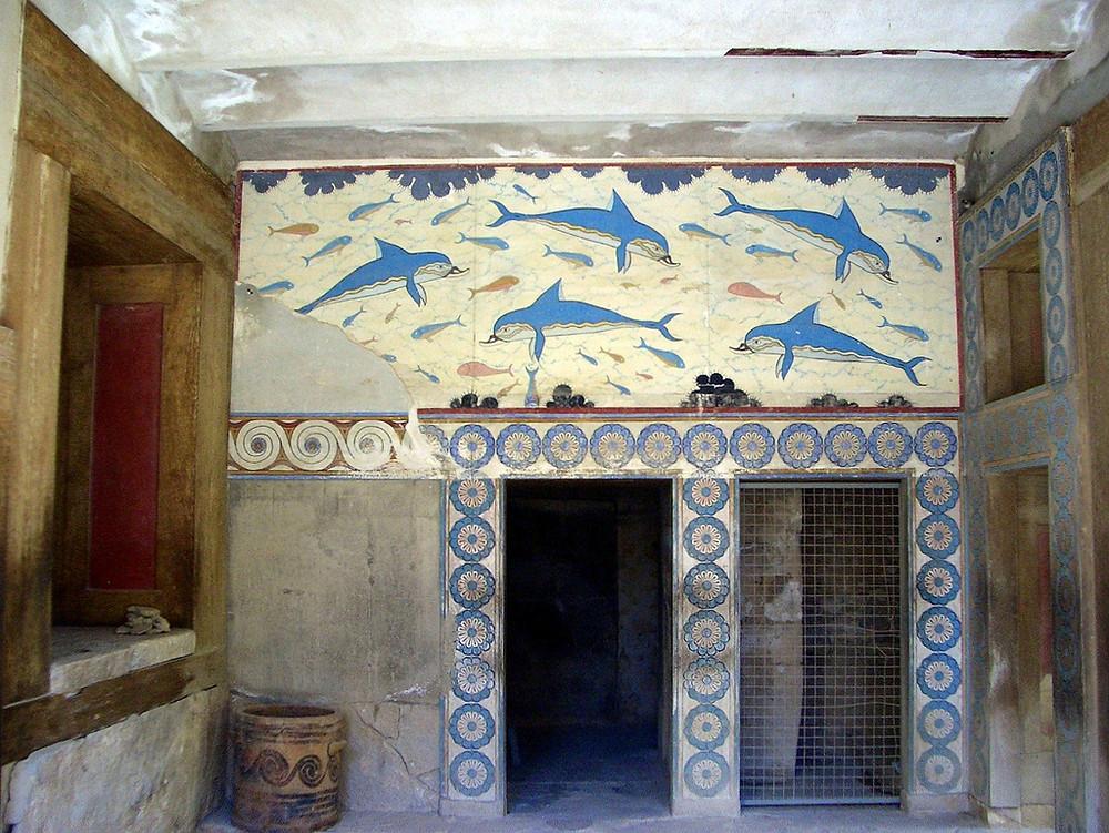 dolphin fresco in the Queen's Megaron