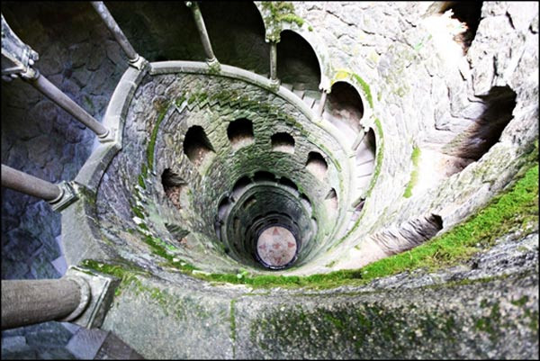 the initiation well at Quinta de Regaleira