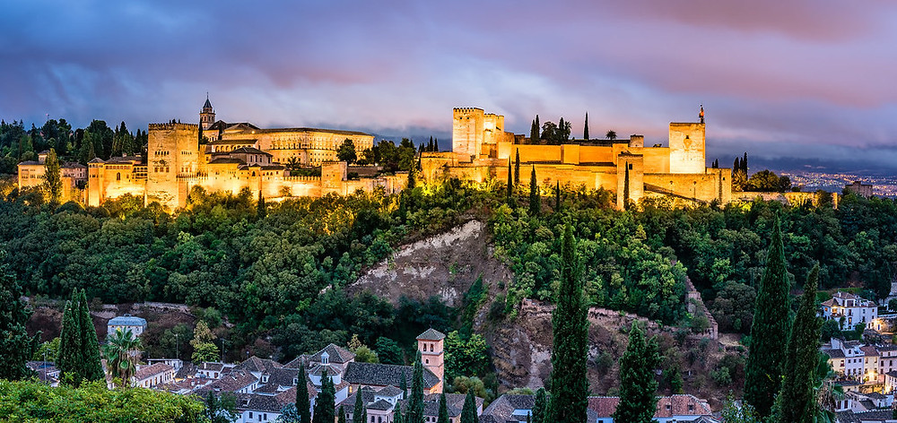 Sunset at Plaza San Nicholas in Granada