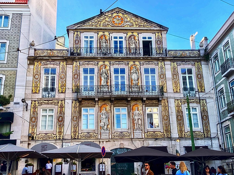 the House of Ferreira das Tabuletas in Lisbon's Chiado neighborhood