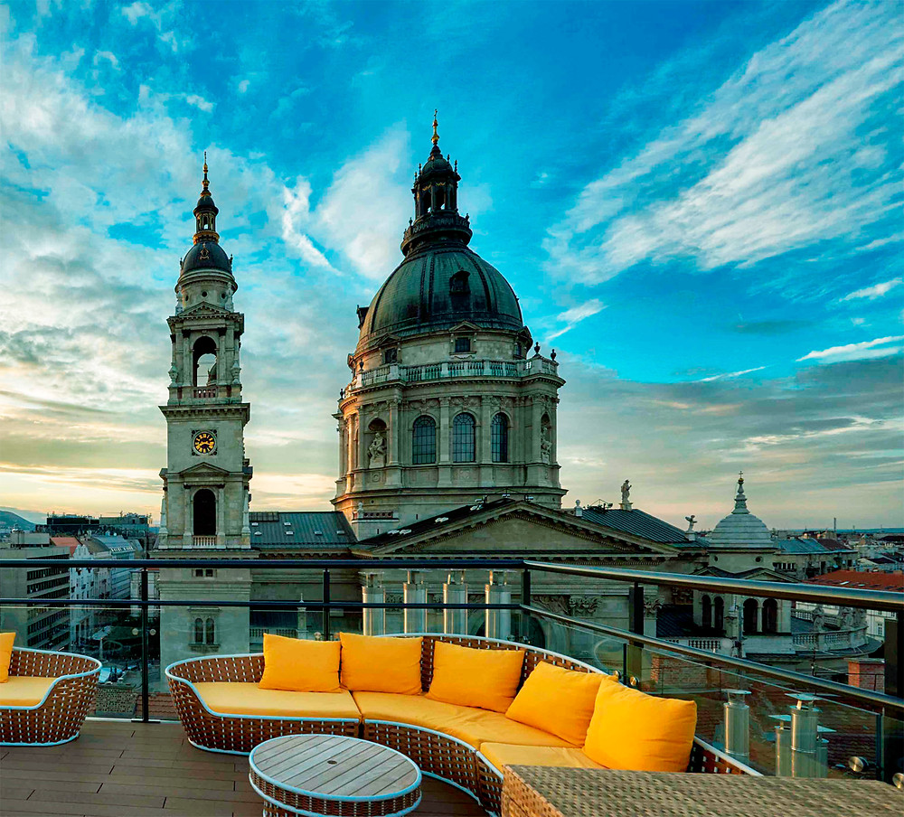 High Note SkyBar at the Aria Hotel with a view of St. Stephens Basilica