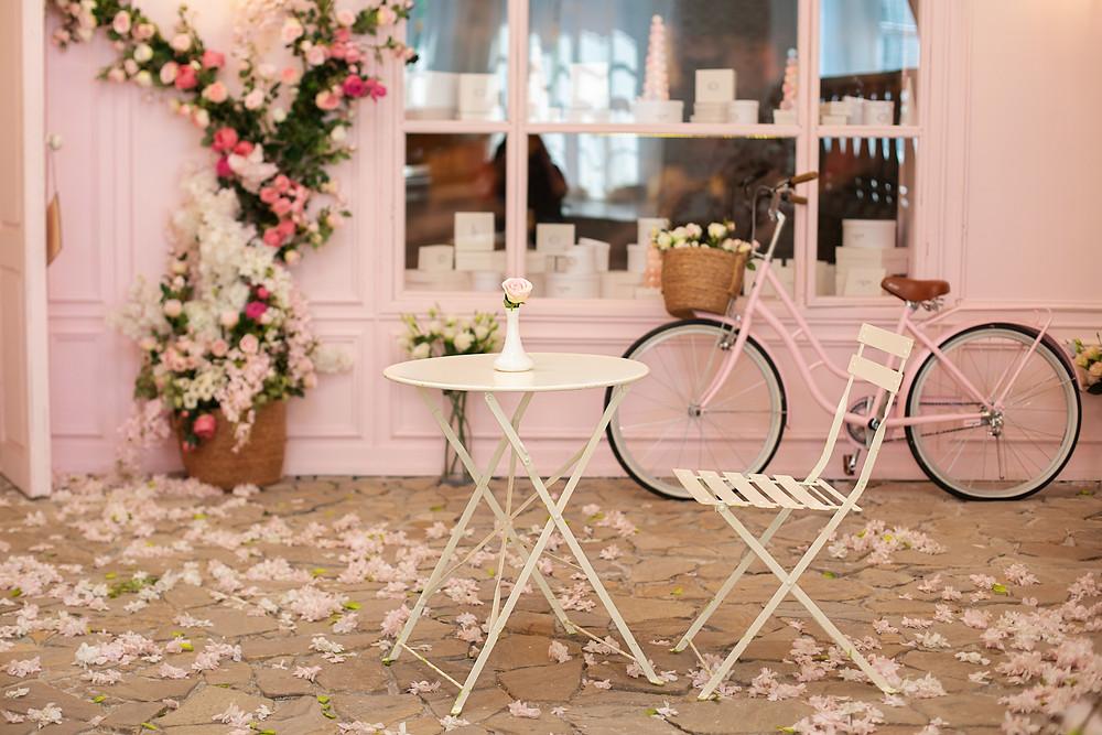 pretty cafe in Paris