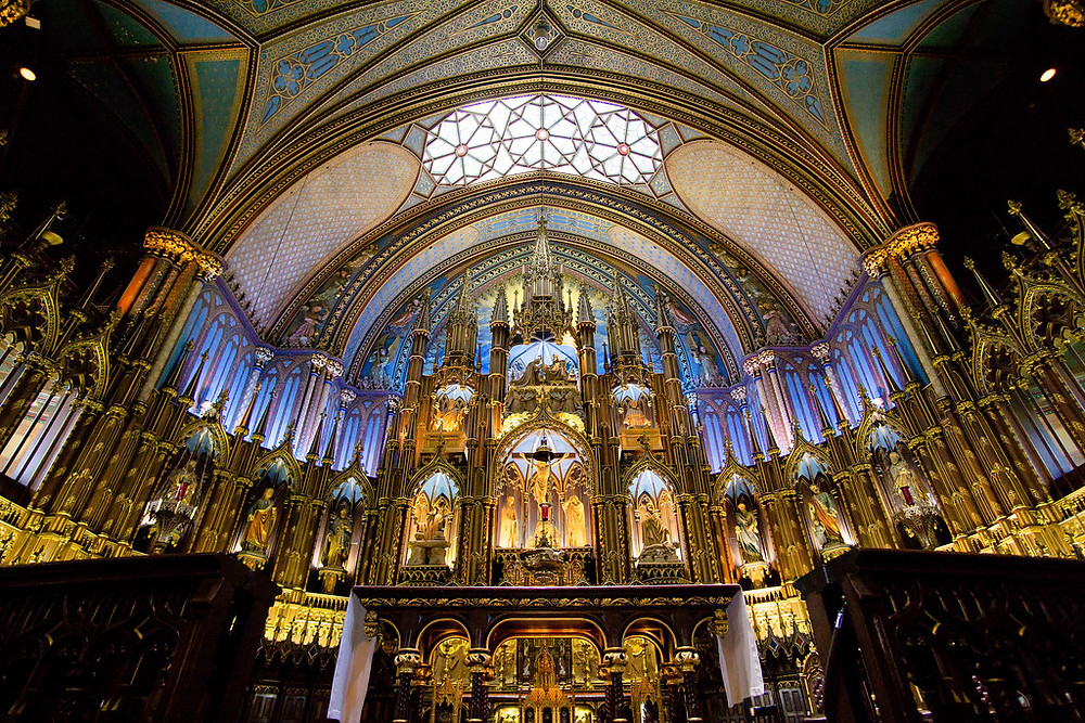 the ornate altar of Basilica Notre-Dame in Montreal