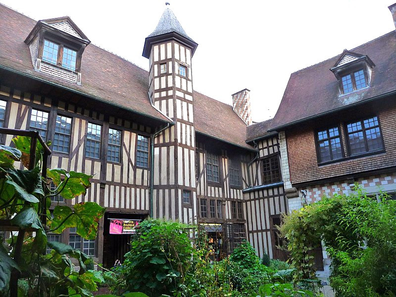 Hotel de Mauroy, which houses the Tool Museum in Troyes