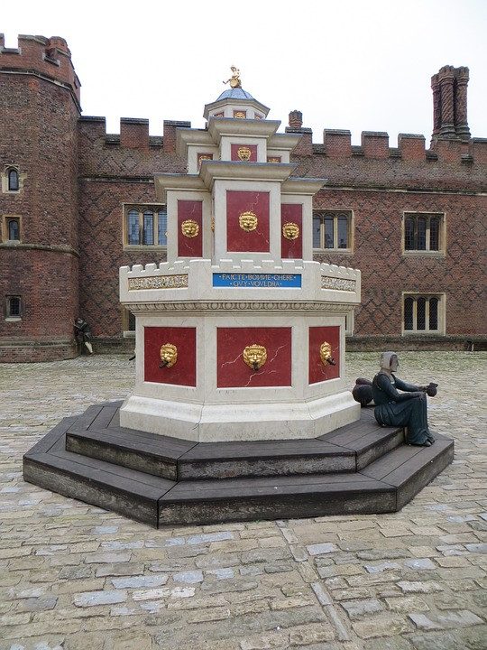the recreated 16th century Tudor wine fountain from the Field of the Cloth of Gold summit