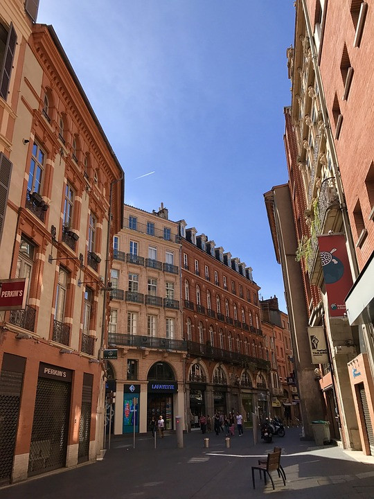 the beautiful quiet streets of Toulouse France