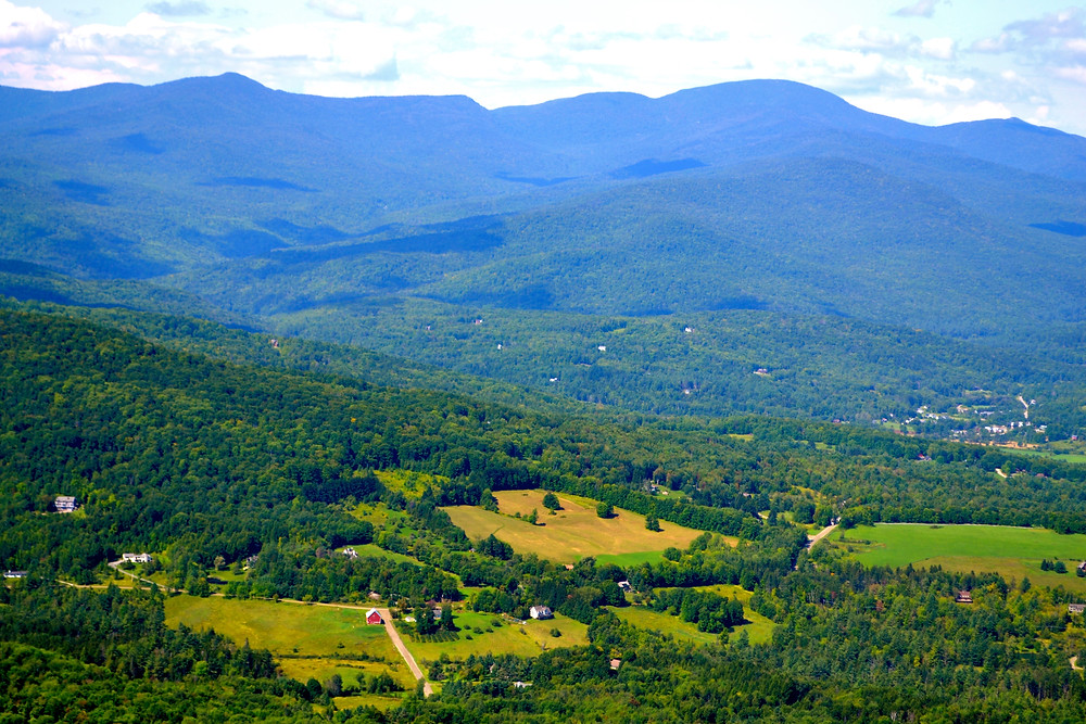 Scenic mountain view hiking Stowe Pinnacle Trail in Vermont