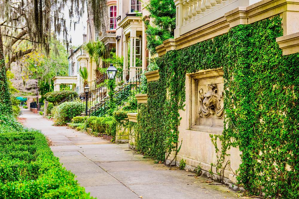 historic row homes in Savannah