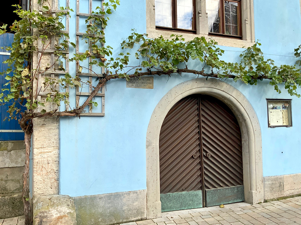 pretty little nook in the oh-so-pretty Rothenburg ob der Tauber