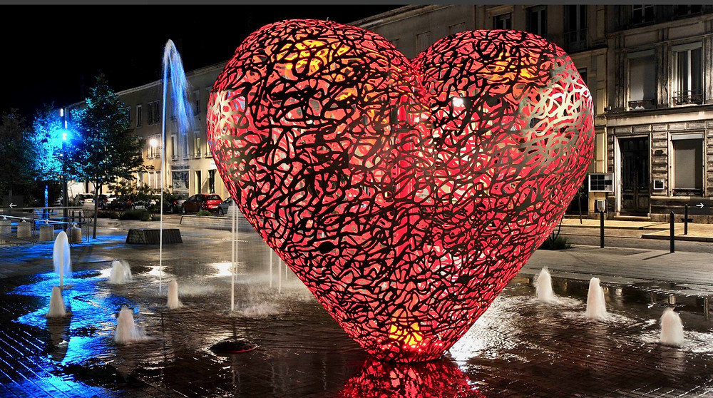 Heart sculpture in Troyes