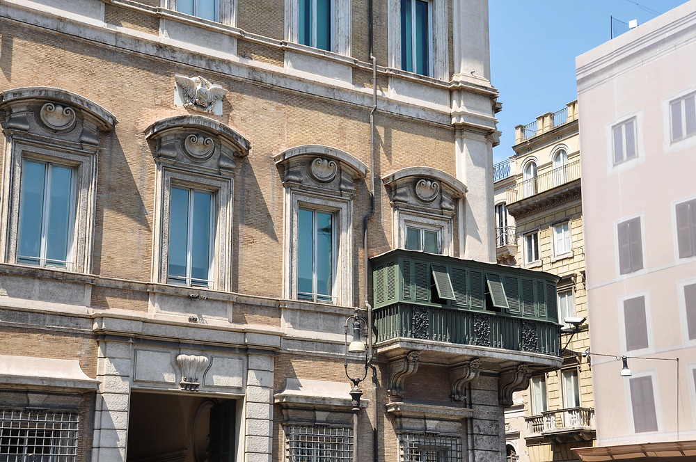 the famous balcony of Palazzo Bonaparte