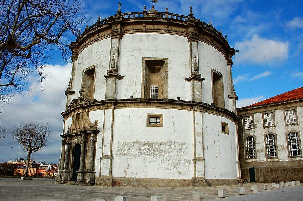 the very round Serro do Pilar Monastery