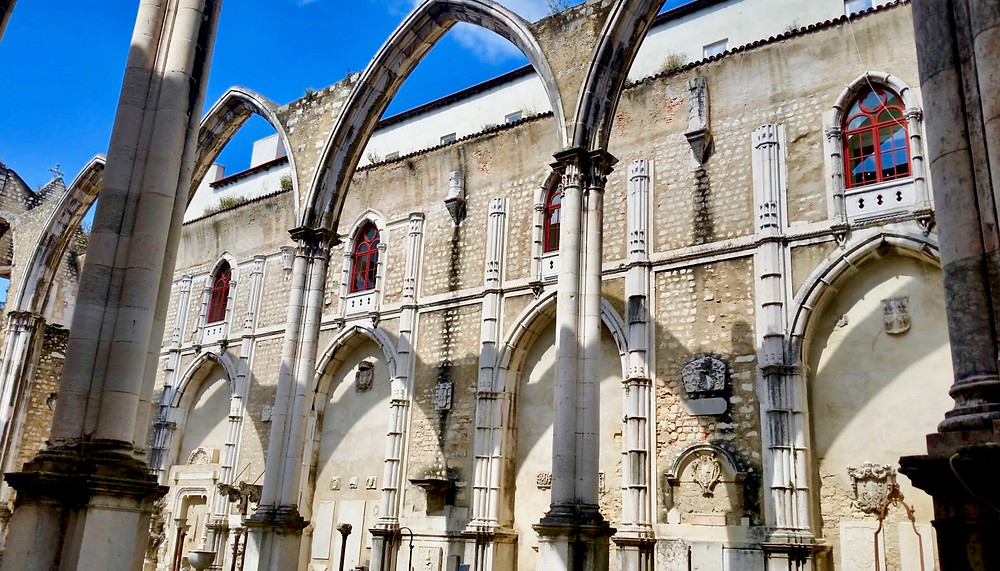 arches of the Igreja do Carmo