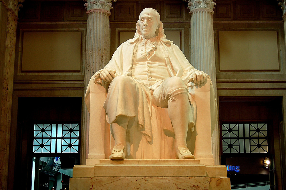 20 foot tall statue of Benjamin Franklin at the Franklin Institute