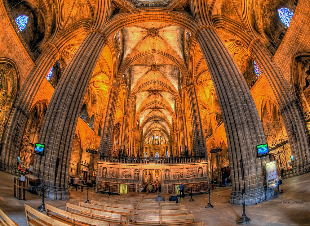 interior nave of Barcelona Cathedral