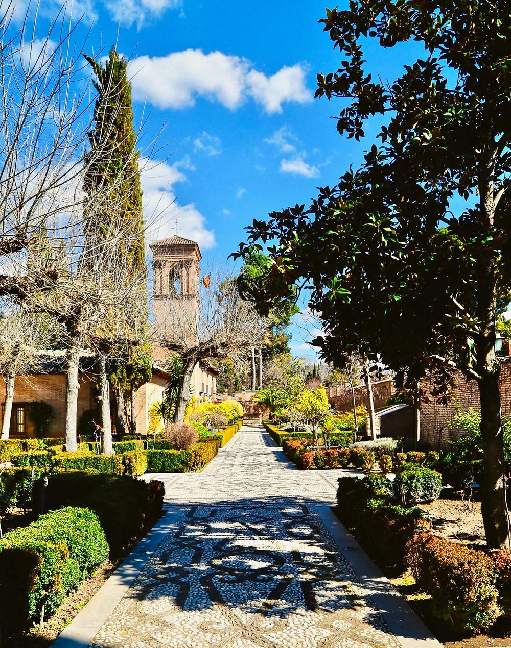 the path to the Parador de Granada San Francisco