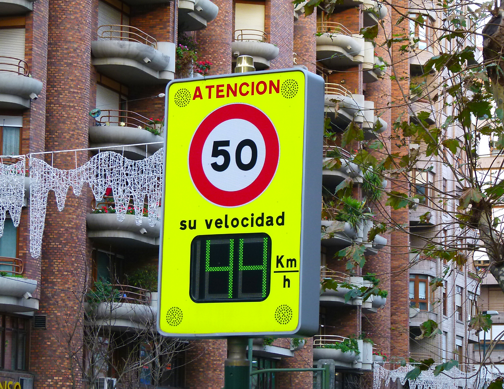 speed sign in Europe