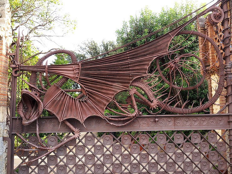 Gaudi's dragon gate in the Pavellons Guell