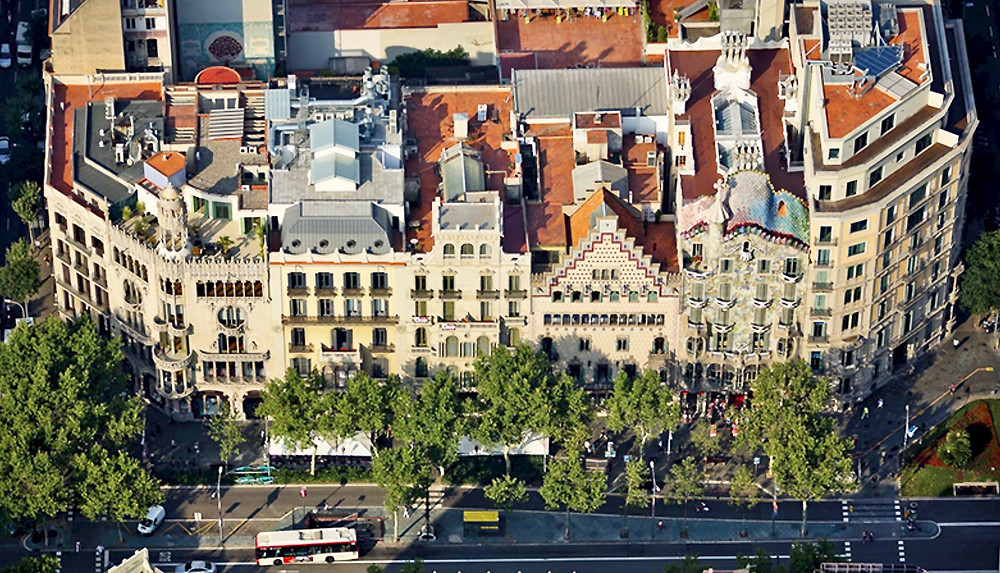 aerial view of the Block of Discord on Passeig de Gracia, @ Casa Batllo