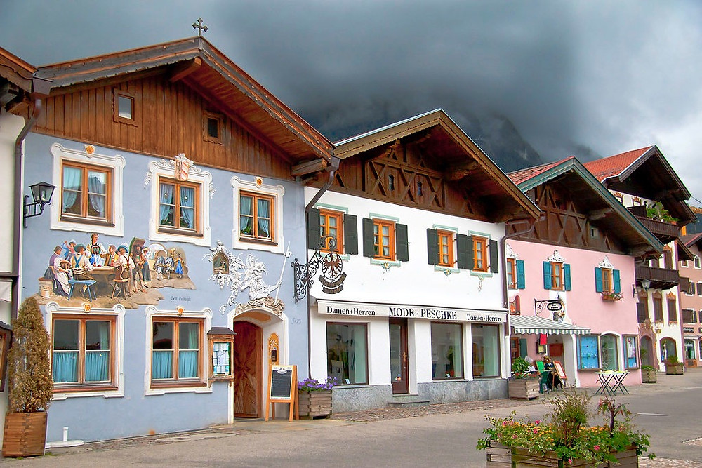 frescoed houses in Mittenwald Germany