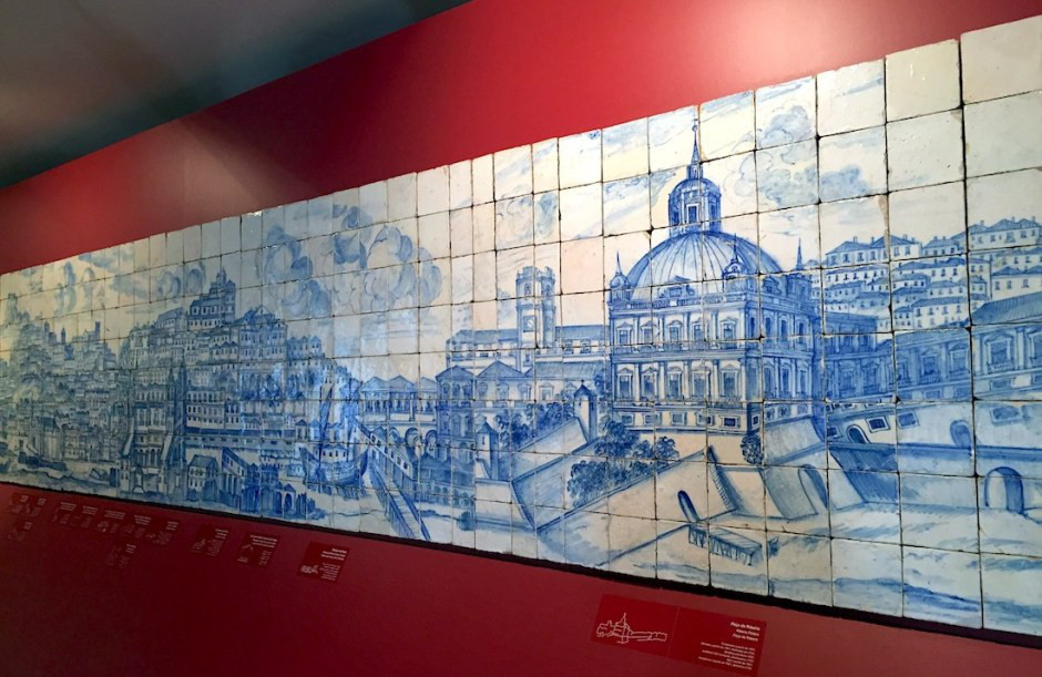 the Grande Panorama of Lisboa, a 75-feet long panel made of more than 1,300 tiles showing the history of Portugal before the 1755 earthquake