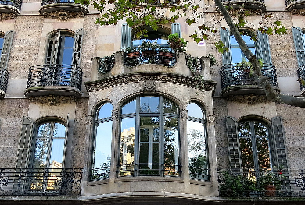 a balcony crowned oriel in Barcelona
