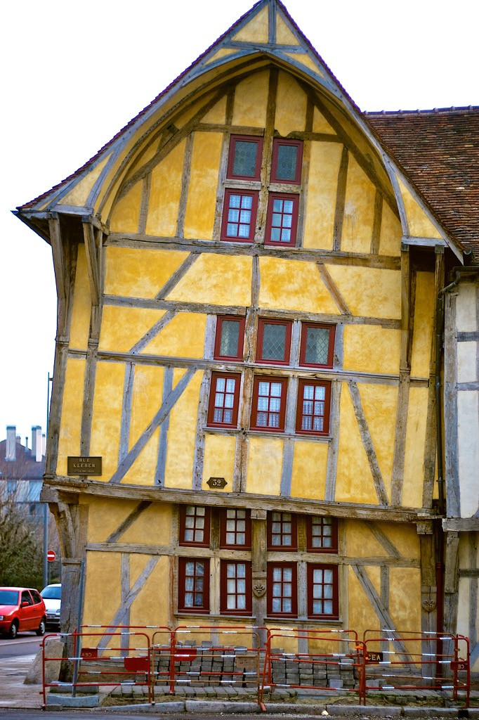romantically leaning house in Troyes France