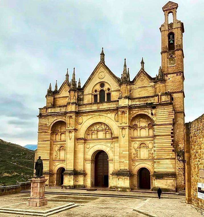 Real Colegiata de Santa Maria la Mayor