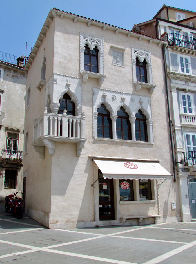 Piran's 15th century Venetian House, which was not red when I saw it in August 2017.