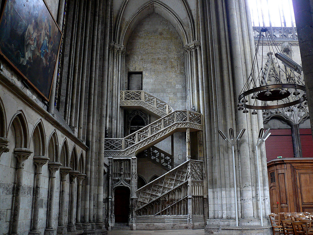 the Escalier de la Librarie (Booksellers' Stairway) in Rouen Cathedral