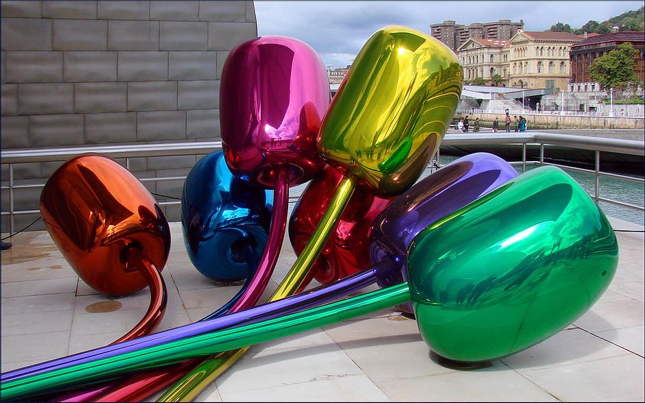 Jeff Koon's Tulips at Bilbao's Guggenheim Museum