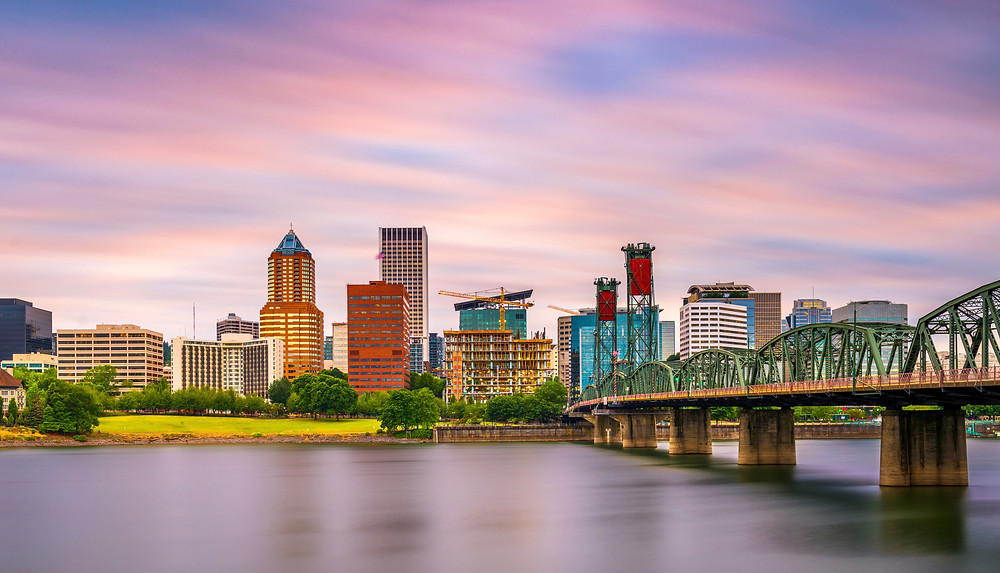 the city of Portland Oregon on the Willamette River
